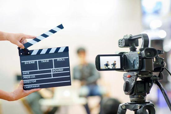 image clap de cinéma et caméra